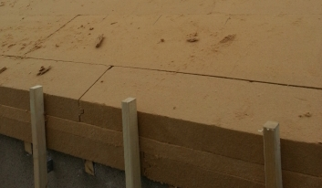 Sarking en 3 couches croisées de panneaux rigides de fibre de bois